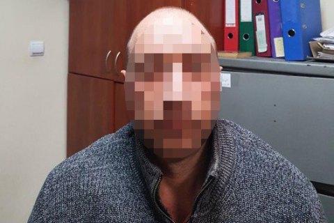 """В Украину экстрадировали подозреваемого в растрате имущества ледовой арены """"Авангард"""""""
