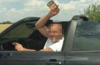 В Одессе пьяный водитель бросался пустыми бутылками в патрульных
