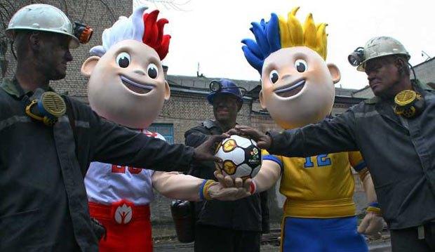 Чемпионат Евро-2012 превратился в удобный предлог для траты бюджетных средств