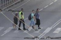Луцький терорист відпустив 3 перших заручників (оновлено)