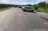 На Харківщині легковик зіткнувся з вантажівкою, загинули двоє людей