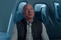 Американский миллиардер Безос слетал в космос (обновлено)
