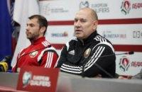 Белорусы уволили тренера