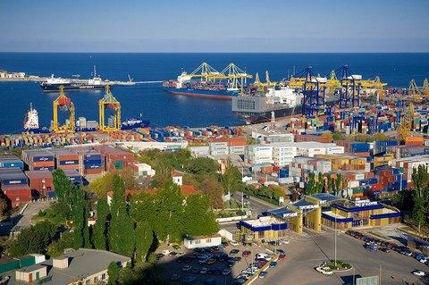 Обшуки в Іллічівському порту проводилися через несплату податків та розтрату