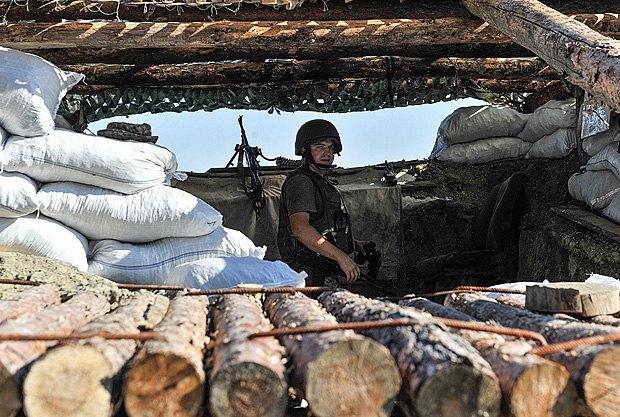 Турчинов: боевики непрекращают попыток прорвать оборону ВСУ
