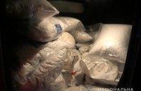 Полиция задержала в Житомирской области микроавтобус с 27 мешками янтаря