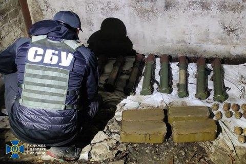 Поблизу Слов'янська знайшли схрон зі зброєю, залишений бойовиками Гіркіна