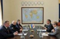 Турчинов и посол Японии обсудили ситуацию на Донбассе в контексте гибридной агрессии РФ