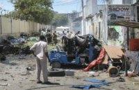 В результате теракта в столице Сомали погибли 10 человек