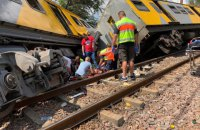 200 людей постраждали через зіткнення потягів у Преторії