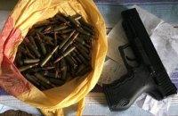 СБУ поймала группу, которая продавала оружие по почте