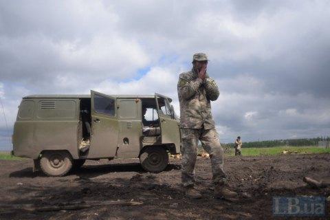 Оккупанты под Песками ранили украинского военного