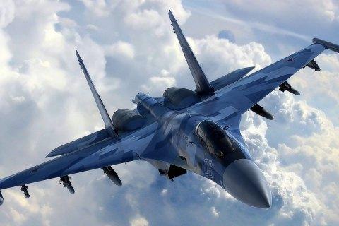 Российский истребитель Су-27 пропал над Черным морем, летчика ищут