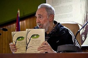 Фидель Кастро представил книгу своих мемуаров