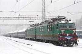 Укрзализныца: движение поездов не прекращается, но они прибывают с задержками