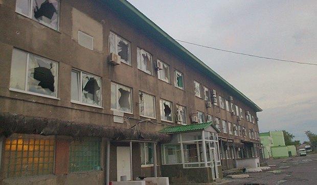 Обстріляна проросійськими бойовиками шахта <<Комсомолець Донбасу>>. Підприємства Східної України постійно знаходяться під загрозою фізичного нищення