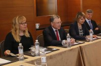 Курт Волкер приехал в Киев и встретился с Тимошенко