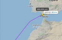 В Испании самолет пошел на экстренную посадку из-за украинца, отказавшегося надеть маску