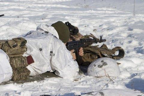 На Донбассе оккупанты тяжело ранили украинского военного