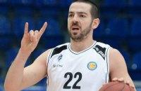 """Российские баскетболисты вышли на матч в майках с надписью """"Я не дебил"""""""