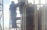 В Донецкой области восстановили электроснабжение и подачу воды пораженной снарядом насосной станции