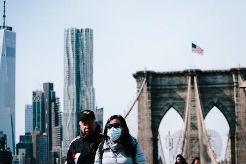 США вийшли на третє місце за кількістю інфікованих коронавірусом
