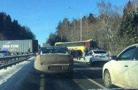 Під Москвою автобус з українцями зіткнувся з фурою (оновлено)