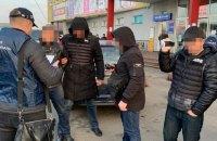 В Киеве оперуполномоченный Нацполиции требовал взятку у продавца нелегального алкоголя
