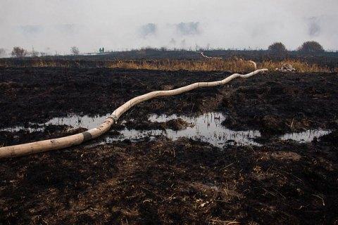 В Киевской области все еще тлеют около 107 га торфяников