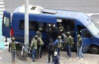 В Беларуси в воскресенье задержали более тысячи митингующих
