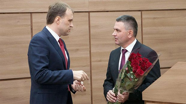 Шевчук (слева) и Красносельский в Доме Советов в Тирасполе