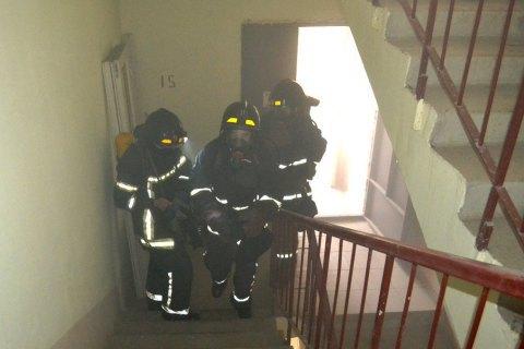 У Харківській області пожежники врятували 11 осіб з палаючого гуртожитку