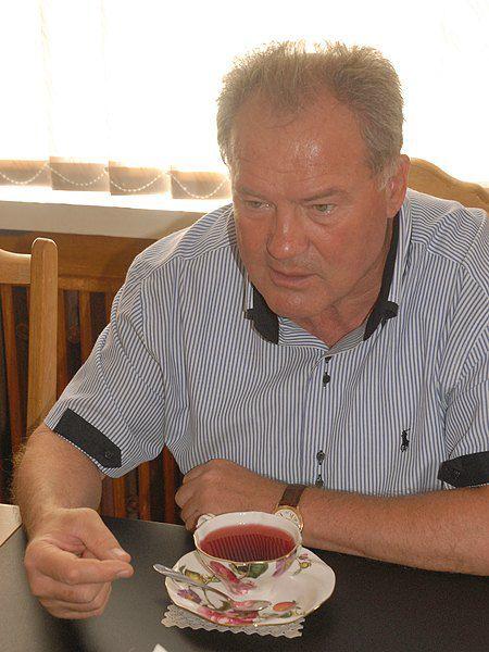 У мэра Николаева Владимира Чайки двосйственные чувства: с одной стороны, резонанс помог собрать деньги на лечение Саши и покупку оборудования для больницы, с другой - создал для города специфический имидж