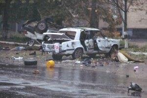 У Шостці обстріляли військкомат і підірвали машини біля міськвідділення міліції