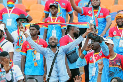 Розлючені фани ледь не розірвали міністра спорту Конго після вильоту збірної з Кубка Африки
