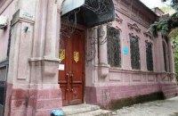 В Донецкой области милиционеры пытались штурмовать прокуратуру