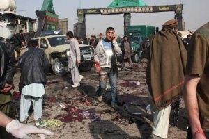 Возле афганского аэропорта взорвалась бомба