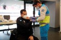 Іспанцям до 55 років, які перехворіли на ковід, даватимуть лише одну дозу вакцини