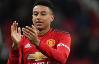 """Гравець """"Манчестер Юнайтед"""" був ошелешений фокусником, який непомітно зняв з нього зав'язану краватку"""