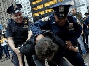 Поліція Нью-Йорка провела найбільший в історії міста рейд
