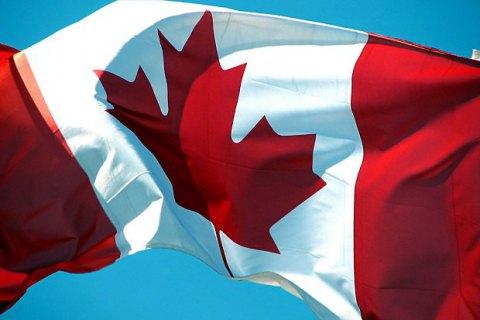 В Канаде в результате крушения небольшого самолета погибли шесть человек из семи