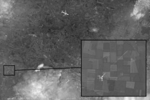 """Источник """"спутникового снимка"""" с обстрелом """"Боинга"""", который показали на российском ТВ, нашел его в интернете"""