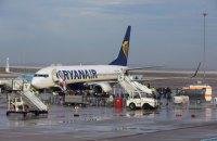 33 пасажири Ryanair були госпіталізовані після екстреної посадки в Німеччині