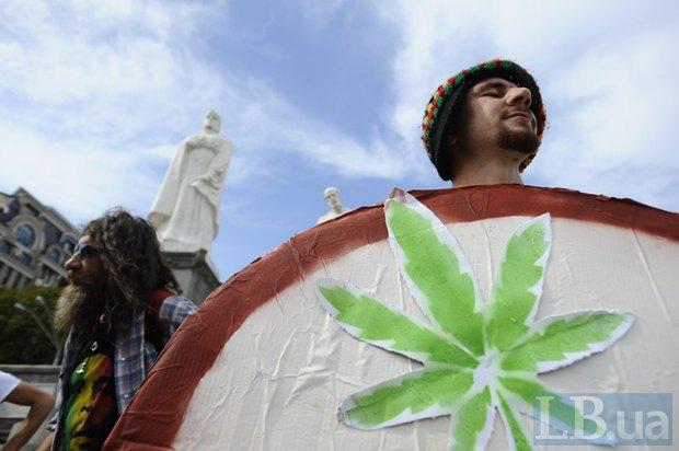 Участник марша за легализацию марихуаны, Киев