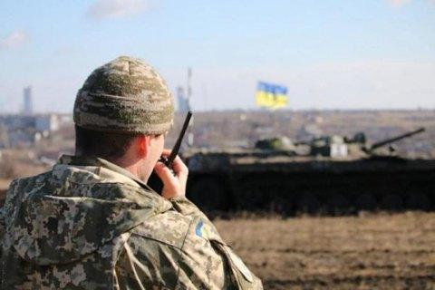 З початку доби на Донбасі поранено двох українських військових