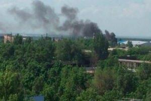 У Донецьку через обстріл зайнявся ринок біля залізничного вокзалу