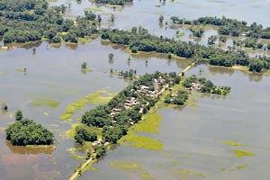 Індія: повені та зсуви залишили більше мільйона осіб без даху над головою