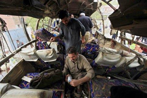 У Пакистані в результаті вибуху загинули понад 50 осіб, сотні поранених (оновлено)