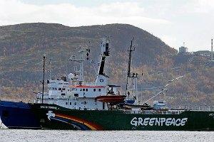 Судно Greenpeace может скоро пойти ко дну