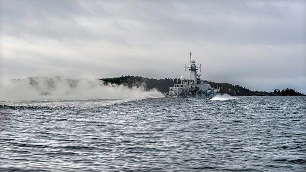 Шведский корвет во время патрулирования